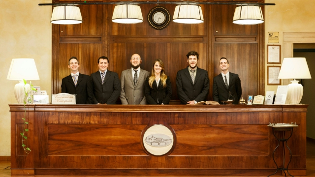 hotel-selva-candida-staff-01